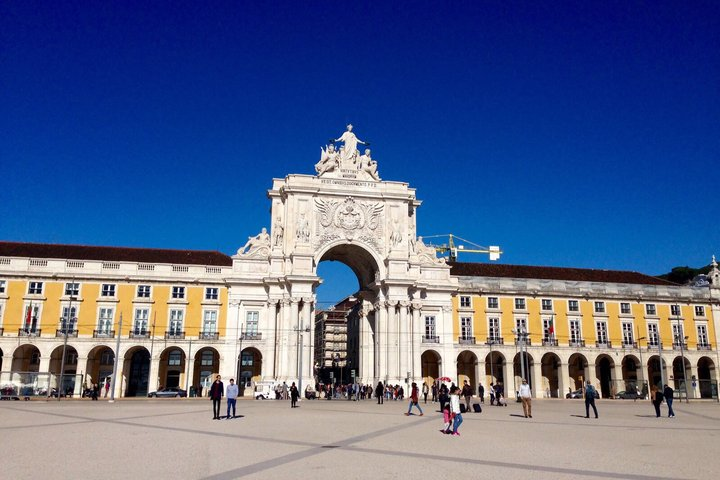 Walking City Tour in Lisbon